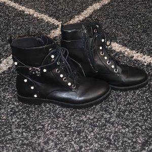 Black pearl detail boots